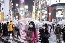Nhật Bản Khoảng cách giàu nghèo, tỷ lệ thất nghiệp gia tăng vì dịch