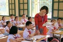 Giáo viên hợp đồng có được hưởng lương dạy thêm giờ