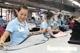 Lao động nữ mang thai, nuôi con nhỏ được nhận thêm tiền hỗ trợ Covid-19